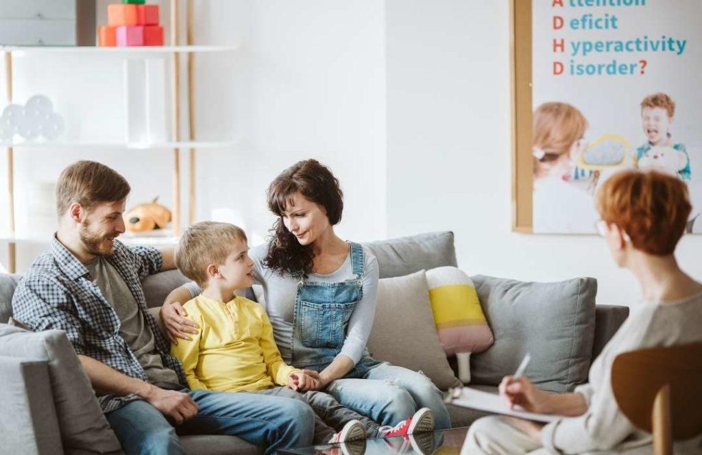 Nepsy-lasten vanhemmat kokevat vähättelyä ja vanhemmuuden arvostelua 3